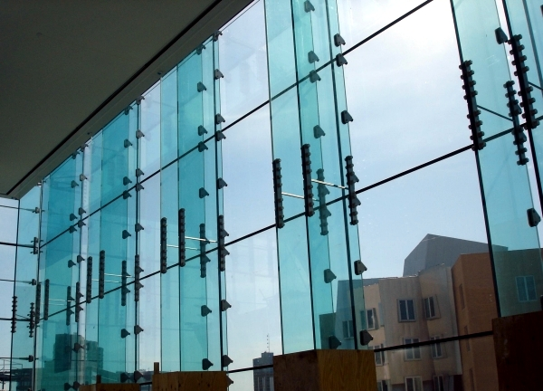 Modern Facade - The beauty of glass curtain walls