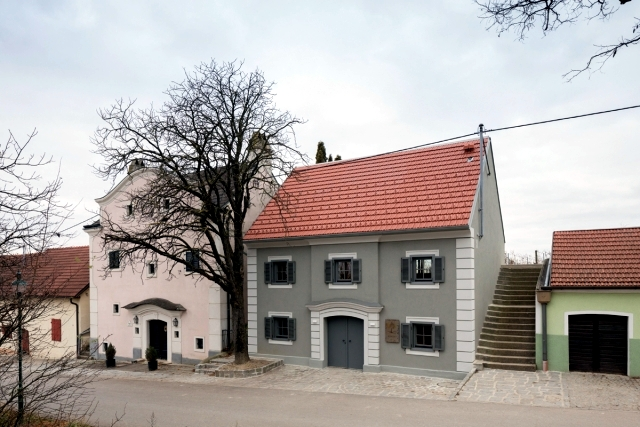 The oldest winery in Wagram - tradition and modern design