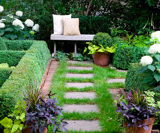 Tips for designing a formal garden - Geometric shapes and bright