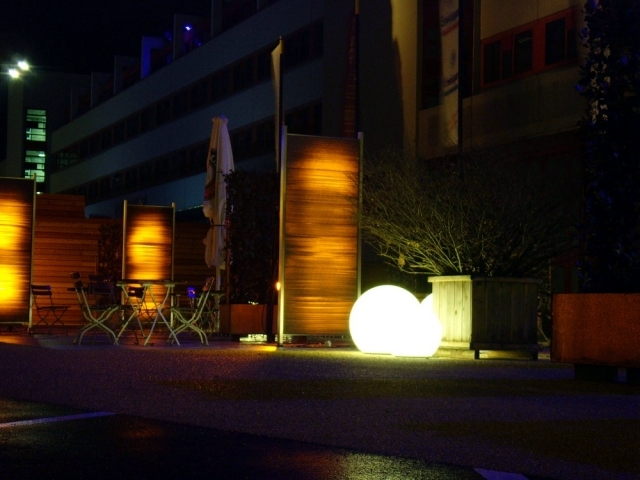 Lightweight concrete LunaCrete to shine through the light conducting fibers