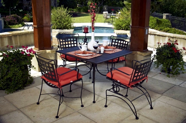 Metal garden chairs with playful details wrought iron-20 Ideas