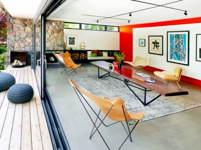 Modern House renovated pool, offers flexibility of use