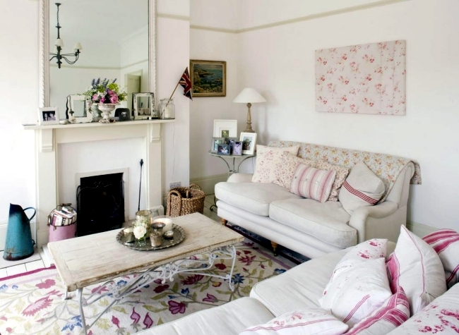 Local shabby chic style - Romance and delicate colors