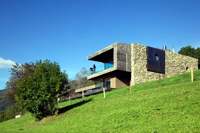 A Modern House In The Green Hills Holiday In Northern