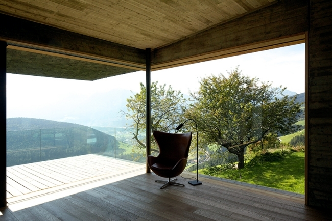 A modern house in the green hills holiday in northern Italy