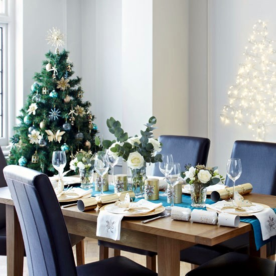 35 merry christmas decorating ideas for the christmas table - Blue And Silver Christmas Decorating Ideas