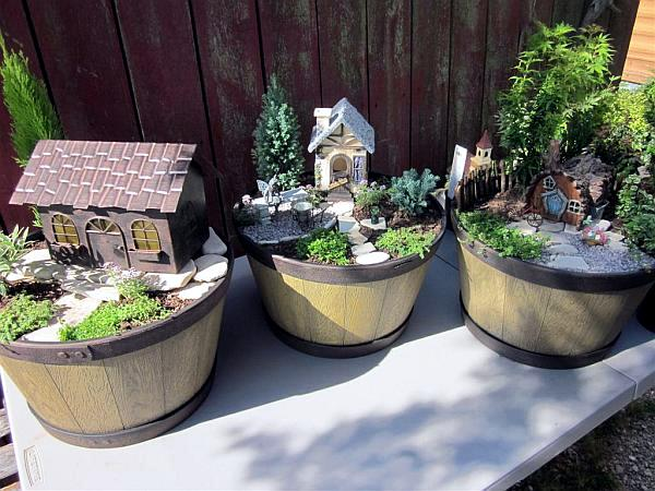 Create miniature gardens in pots on the balcony - QuickStart Guide