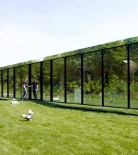 this-modern-flat-deck-with-glass-facade-reflecting-johan-selbing-0-359