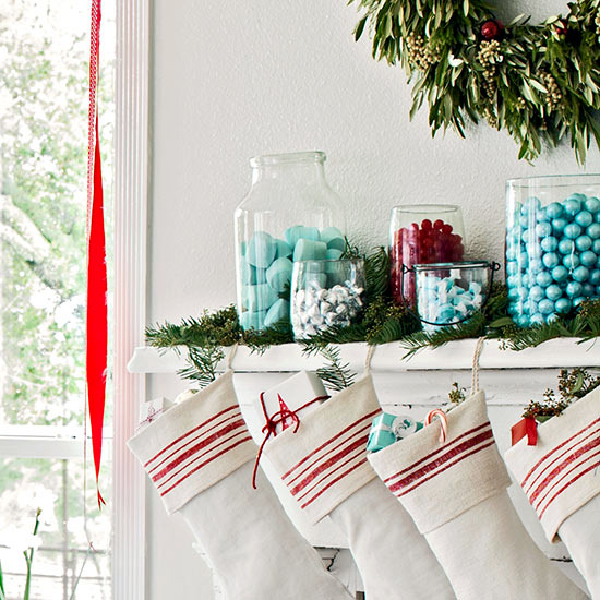 Budget Christmas Decorating: Tinker Beautiful Christmas Decoration With Cheap Materials