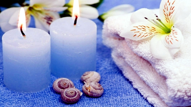 Wellness with scented candles - create a calm atmosphere