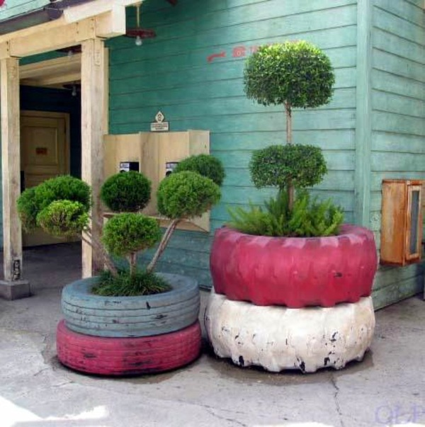 The Shrubs In Front Yard Surrounded 100 DIY Furniture From Car Tires