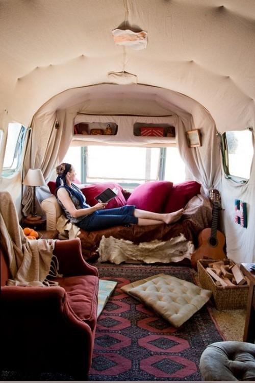 Caravan Decoration Set The Caravan With A Retro Touch