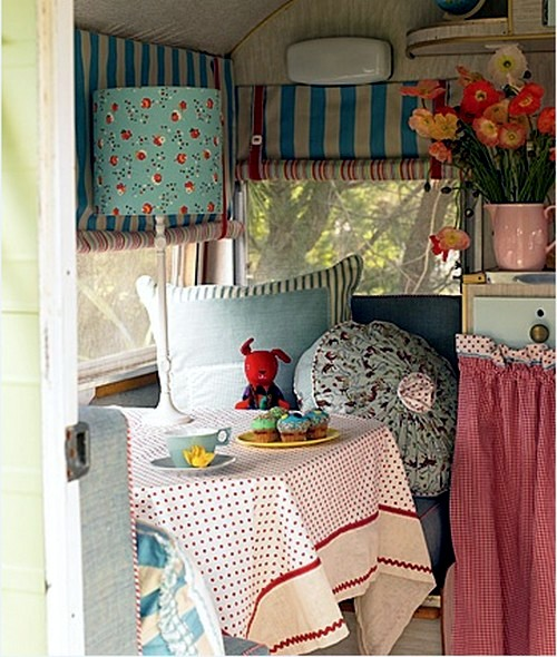 Caravan decoration set the caravan with a retro touch for Decoration retro
