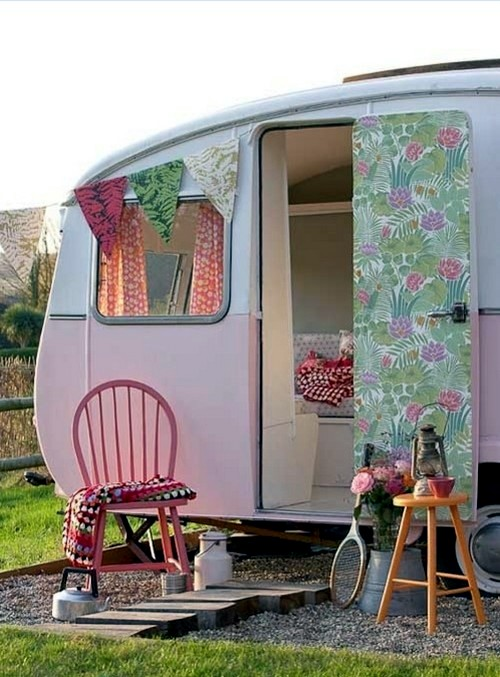 Caravan Decoration Set The Caravan With A Retro Touch