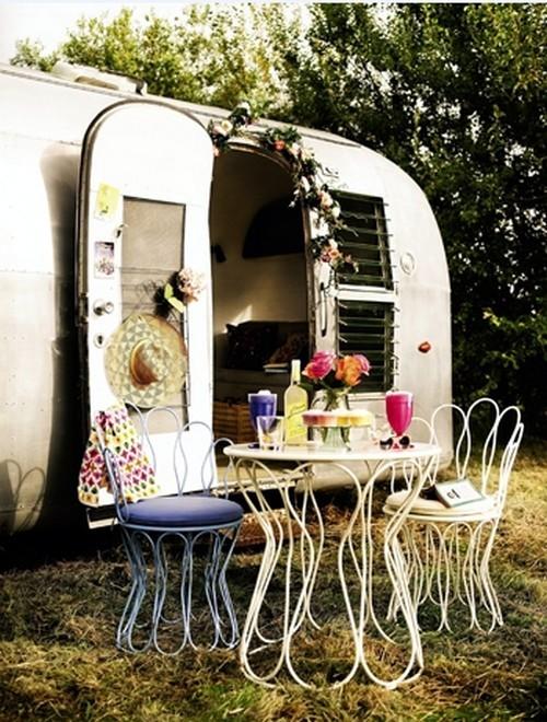 Caravan Decoration - set the caravan with a retro touch