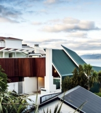 house-overlooking-the-sea-fronts-and-glass-parsonson-architects-0-363