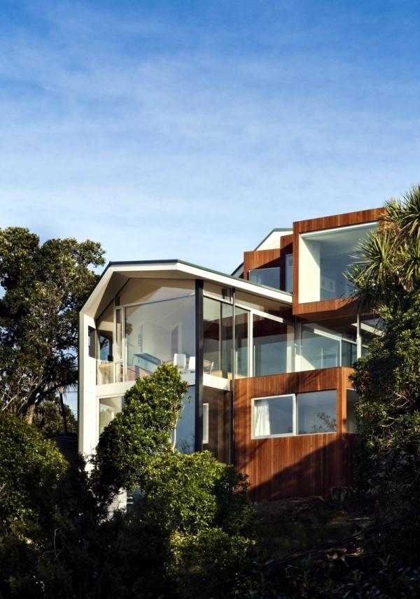 House Overlooking The Sea Fronts And Glass Parsonson
