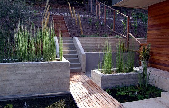 how to build a curved retaining wall on a slope