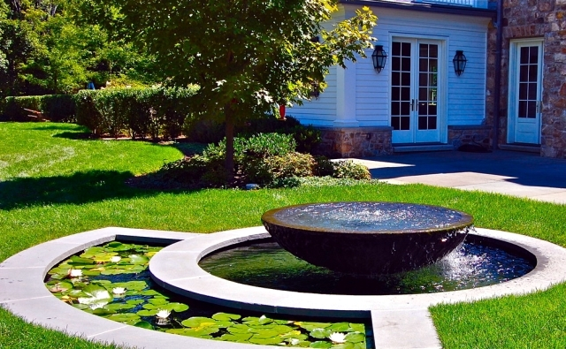 22 Ideas For Garden Fountains As A Creative Design Element In The