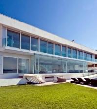 mallorca-gorgeous-golden-luxury-villa-located-directly-on-the-sea-0-375