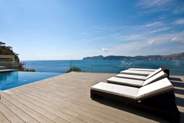 Апартаменты в остров Эпир на берегу моря недорого