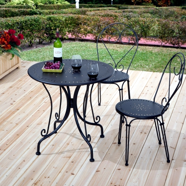 21 Wrought Iron Garden Furniture Highlights The Graceful Air