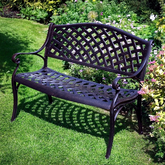 21 Wrought Iron Garden Furniture Highlights The Graceful