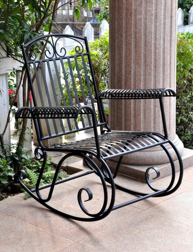 21 Wrought Iron Garden Furniture Highlights The Graceful