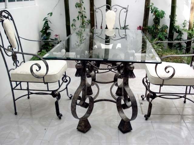 21 Wrought Iron Garden Furniture Highlights The Graceful Air