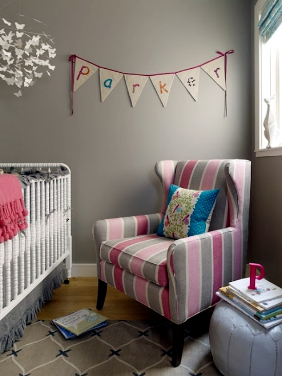 20 creative ideas of how to set up a small nursery for Nursery room ideas for small rooms