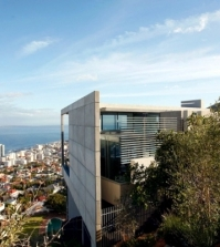 modern-architecture-in-saota-grand-house-on-a-hill-overlooking-the-sea-0-381