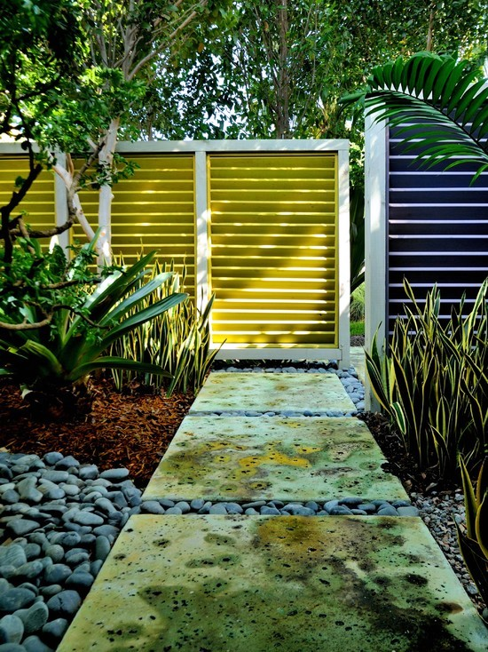 Provide the necessary privacy in the front yard - 63 Ideas Garden Fence