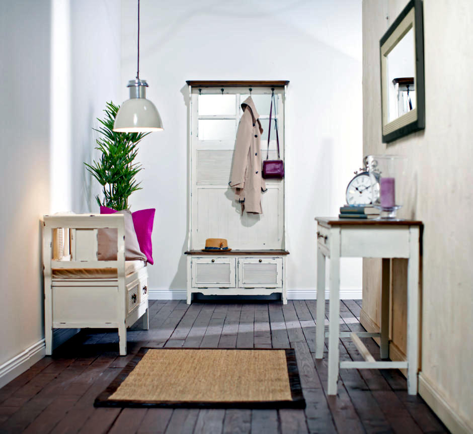 Hallway Design With Antique Furniture Interior