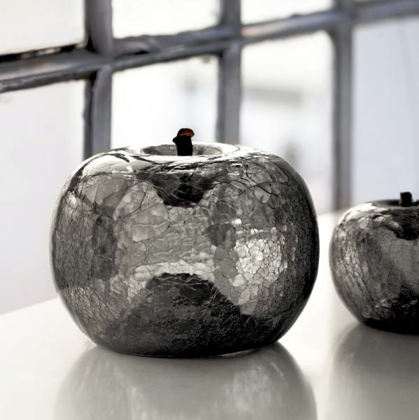 Accessories for home and garden decorating ideas - sculptures in ceramic and glass display