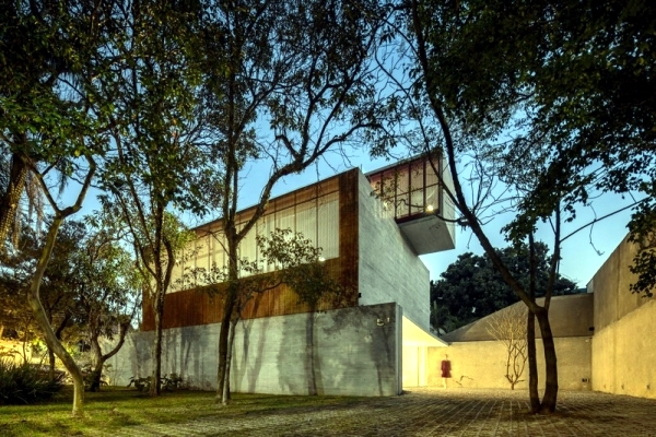 Solid concrete house in Sao Paolo modern architecture in the Bauhaus style