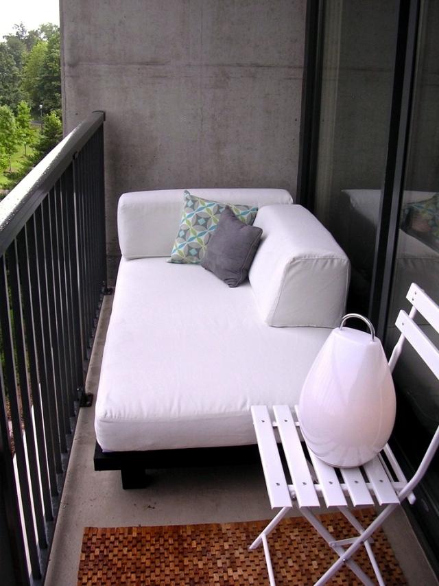 Кресло кровать на балконе своими руками
