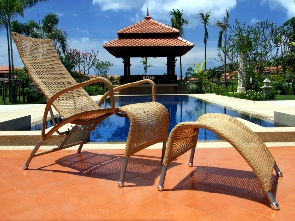 Poly rattan garden furniture - the right look for your modern room