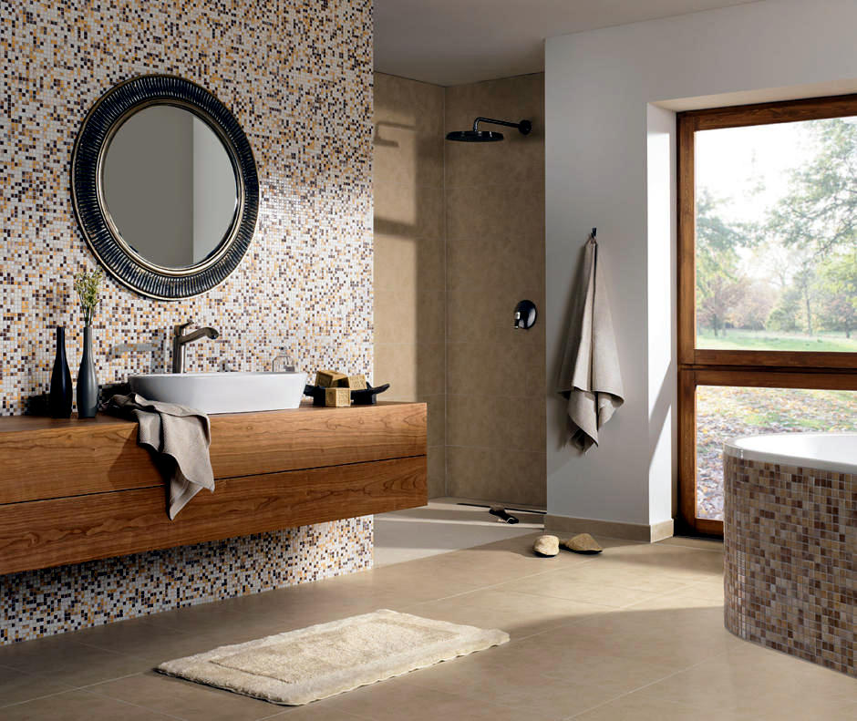 Bathroom With Natural Looking Beach Interior Design