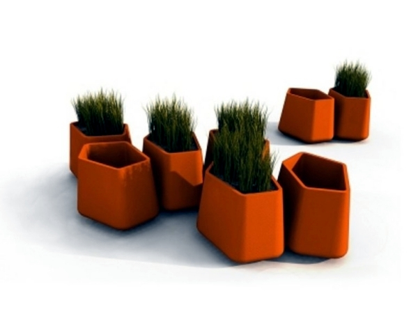 Modern planter spices rock garden in the outer zone