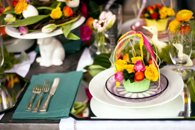 25 Decorating Ideas For The Easter Table Put Guests In