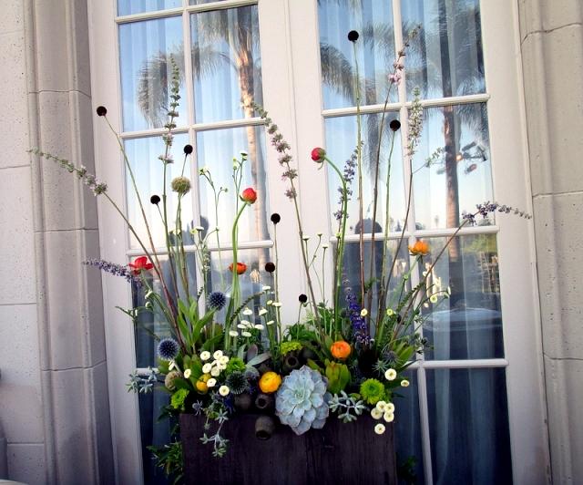 Arrange flowers like a pro - Dandelion Ranch Floral Arrangements