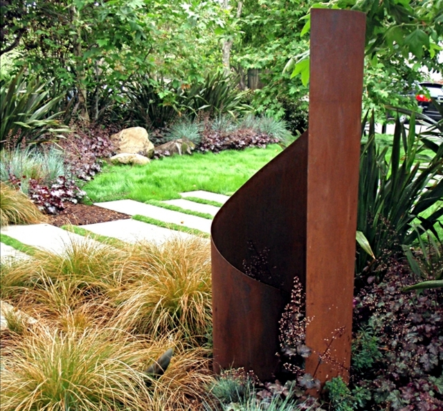 Large Modern Garden Sculptures: How Large Sculptures Effect Is