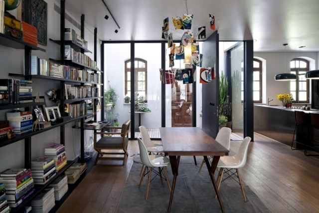 Village house with garden in Tel Aviv combines the old and the new