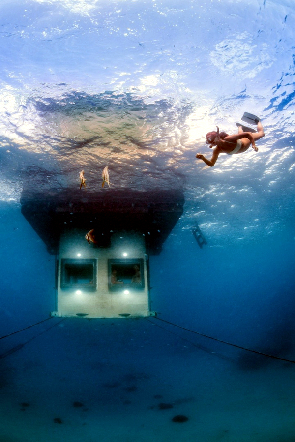Waterfront Hotel in Africa reveals amazing underwater world