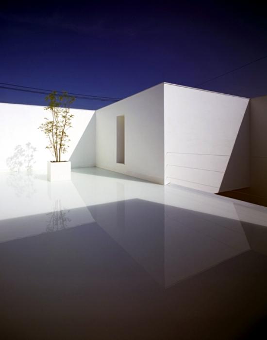 Minimalist concrete house by takuro yamamoto kanazawa for Minimalist concrete house
