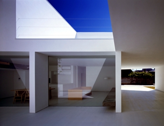 Minimalist concrete house by Takuro Yamamoto Kanazawa