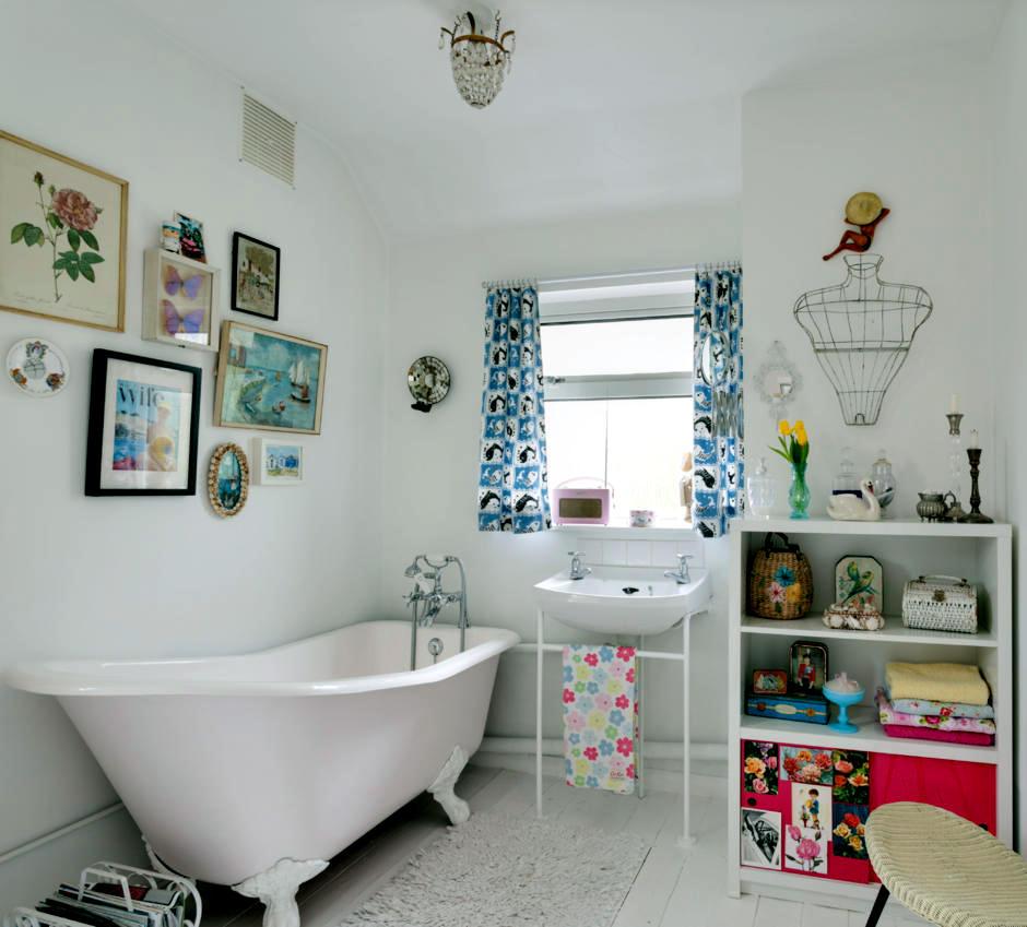 Freestanding bath with a bathtub fun living interior