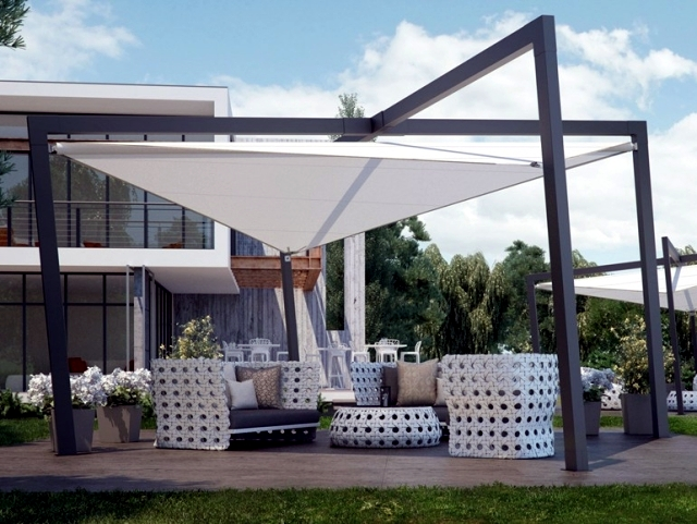 "Terrace canopy ""Mistral"" pratic in contemporary design"