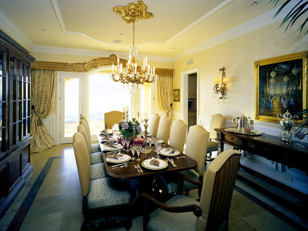 Victorian style - luxurious and opulent decorations