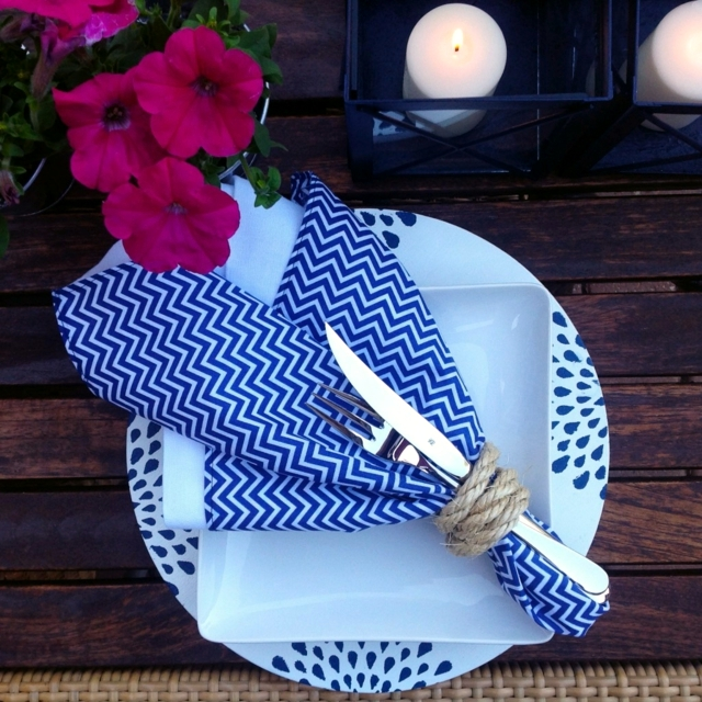 Napkin Folding - 75 summer ideas for table decoration